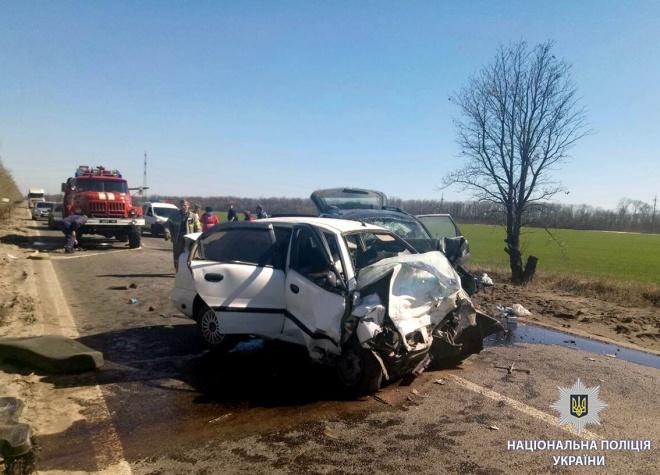 На Харківщині у ДТП загинула родина: 2 дітей та двоє дорослих - фото