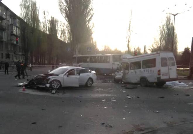 Збільшилася кількість жертв жахливої аварії у Кривому Розі, - ЗМІ - фото