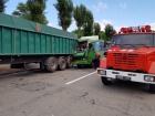 На Дніпропетровщині автобус врізався у вантажівку: 22 постраждалих