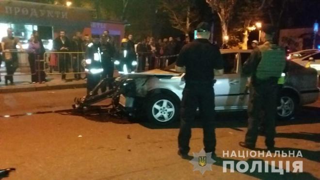 Затримано водія, який в'їхав у зупинку в Одесі - фото