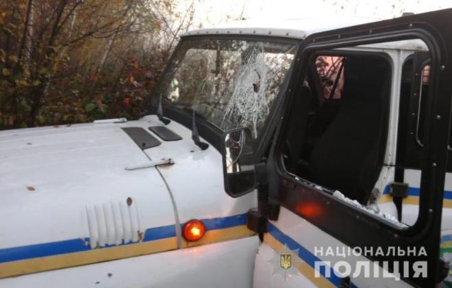 200 бурштинокопачів напали на поліцейських на Рівненщині - фото