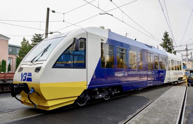 В Укрзалізниці показали які потяги курсуватимуть до Борисполя - фото