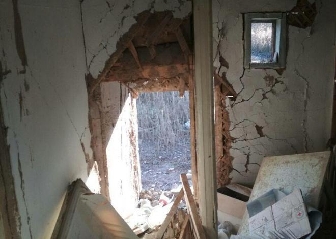 Окупанти знищили два житлових будинки в Південному - фото
