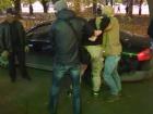 СБУ затримала зловмисників, які за допомогою пострілів з гранатометів та підпалів залякували бізнесменів
