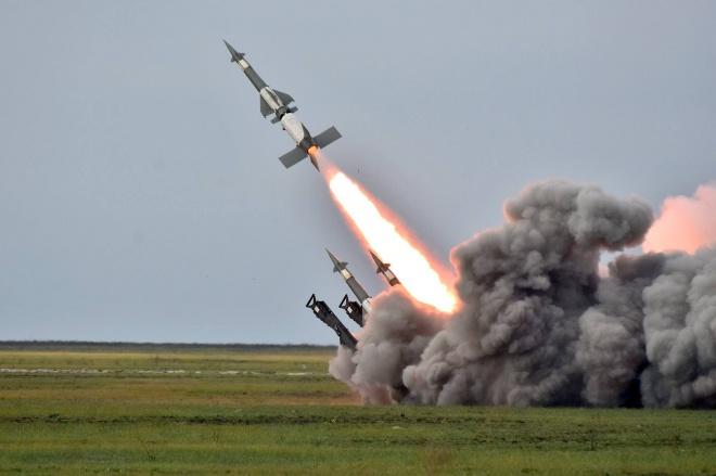 Україна проводить масштабні ракетні стрільби біля окупованого Криму - фото