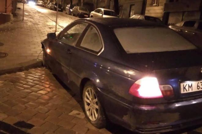 У Львові поліцейський на смерть збив пішохода і втік з місця ДТП - фото