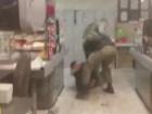 В Києві охорона магазину жорстоко побила неадекватних молодиків
