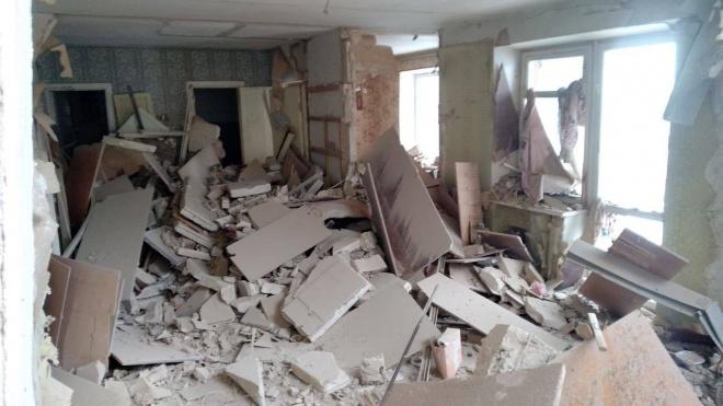 З-під завалів у Фастові дістали тіла двох осіб - фото