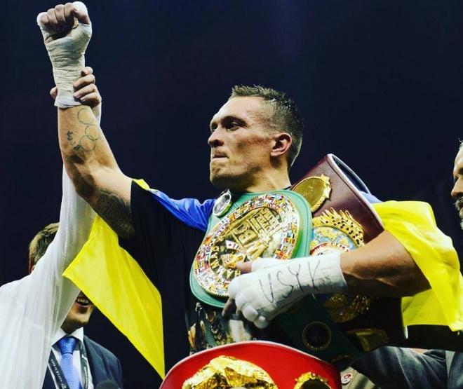 Усик став бійцем року за версією BoxingScene - фото