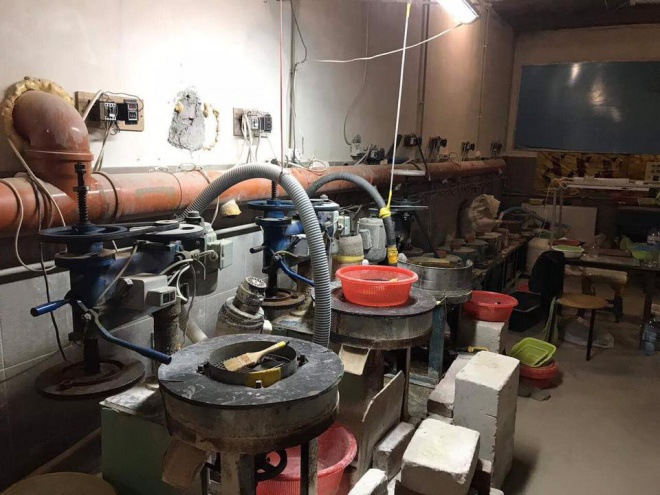На Одещині виявили підпільний завод з обробки бурштину - фото