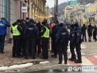Під Подільським відділком поліції сталися сутички з активістами