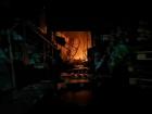 Продовжують гасити масштабну пожежу неподалік метро «Лісова»