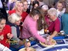 Росіяни влаштували давку за їжею на «Полі чудес»