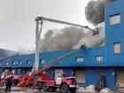 В Києві масштабна пожежа на складах на Червоноткацькій