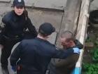 Оголошено вирок щодо патрульної, яка знущалася над беззахисним у Сумах