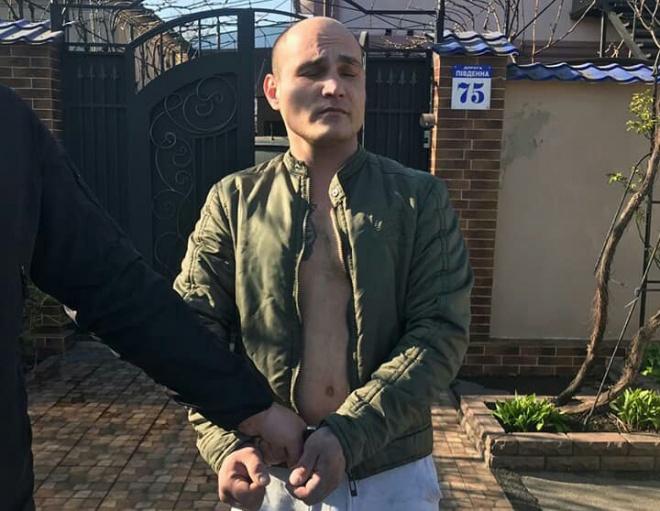 Поліція знайшла нелюда, який вдарив постраждалих під час ДТП нацгвардійців - фото