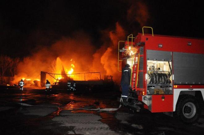 У Кропивницькому вибухнули автоцистерни з газом, є постраждалі - фото