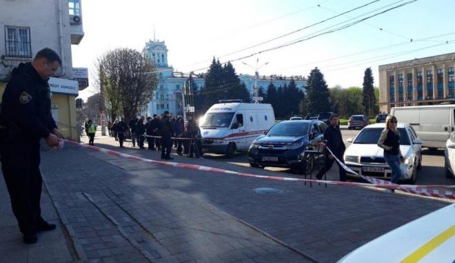 На Дніпропетровщині стріляли в активіста: його та двох перехожих поранено - фото