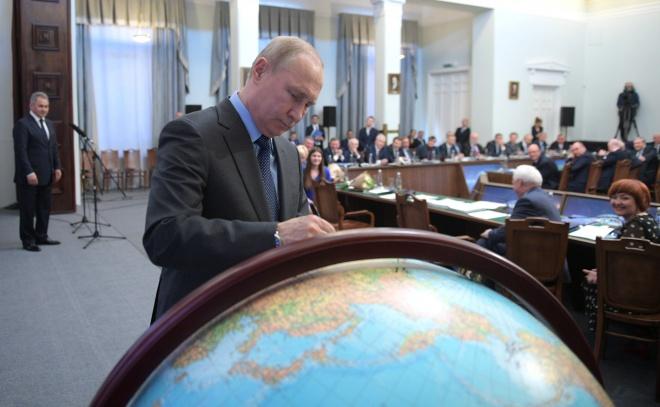 Путін указав давати російське громадянство жителям окупованої частини Донбасу - фото