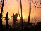 В Києві сталася масштабна пожежа з вибухами у приватному секторі