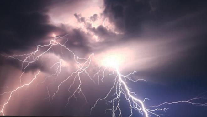 Блискавка вбила чоловіка на Львіщині - фото