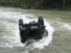 На Прикарпатті авто з туристами вилетіло в річку