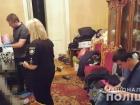 Пенсіонер в одеській комуналці розправився із сім'єю сусідів – його жертвами стали троє