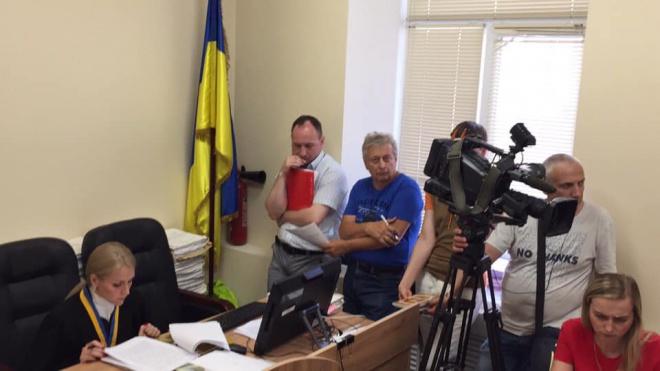 Суд скасував перейменування проспектів Московського на Бандери та Ватутіна на Шухевича - фото