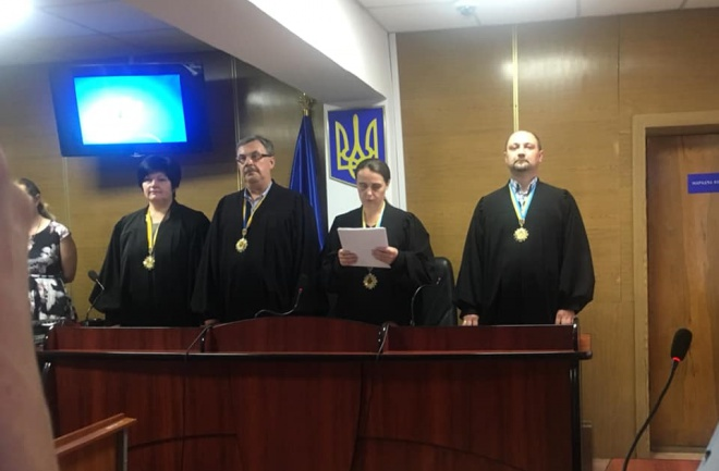 Суд відпустив двох підозрюваних у вбивстві журналіста Сергієнка - фото