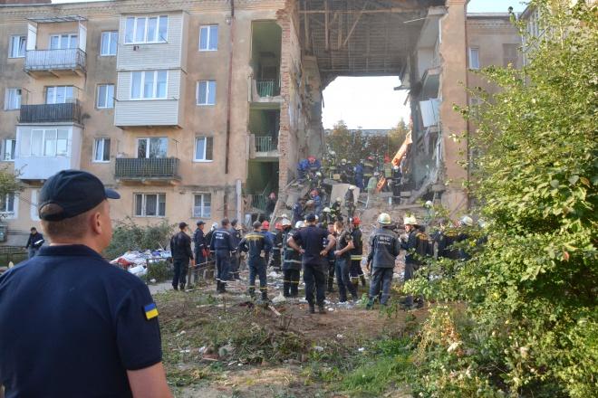 В Дрогобичі під завалами виявлено 8 загиблих - фото
