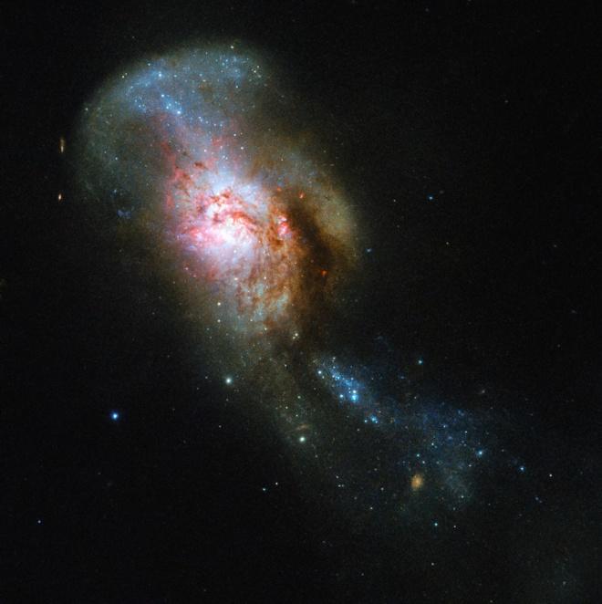 Хаббл показав галактику-Медузу - фото