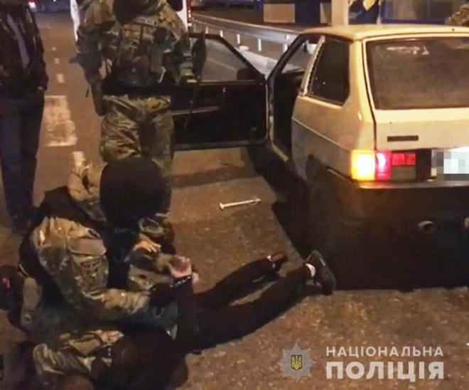 Напади на АЗС та магазин на Одещині: затримано підозрюваних - фото