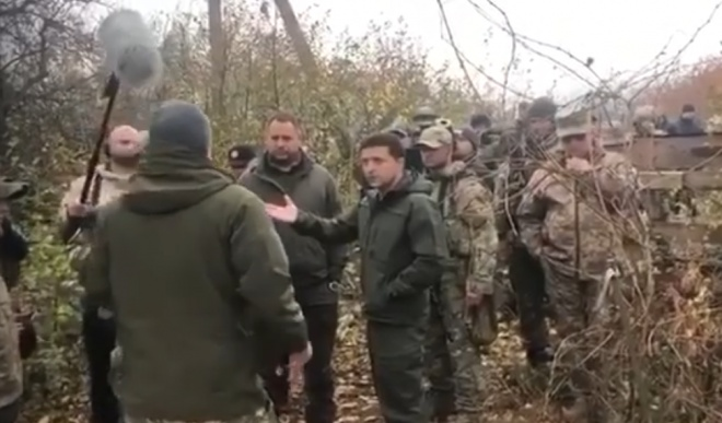 Сенцов: «Сором за президента та гордість за добровольця» - фото