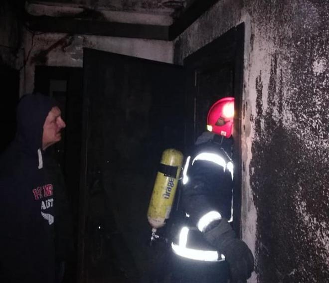В Києві горіла багатоповерхівка, жителів евакуйовували, є загиблі - фото