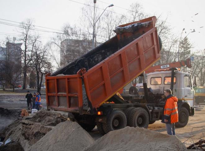 В Київтеплоенерго заявили про закінчення ремонтних робіт на Антоновича - фото