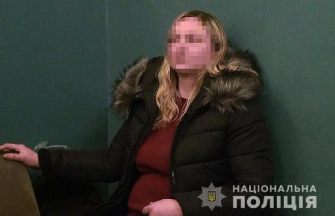 Жінка намагалася викрасти дитину в київському метро - фото
