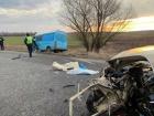 На Дніпропетровщині водій легковика виїхав на зустрічку, протаранив вантажівку та мікроавтобус з людьми