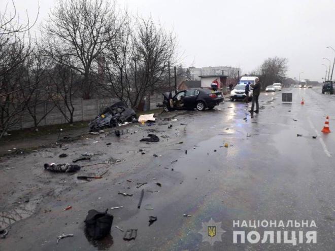 На Житомирщині у лобовому зіткненні автівок загинули 4 людини, у т.ч. дитина - фото