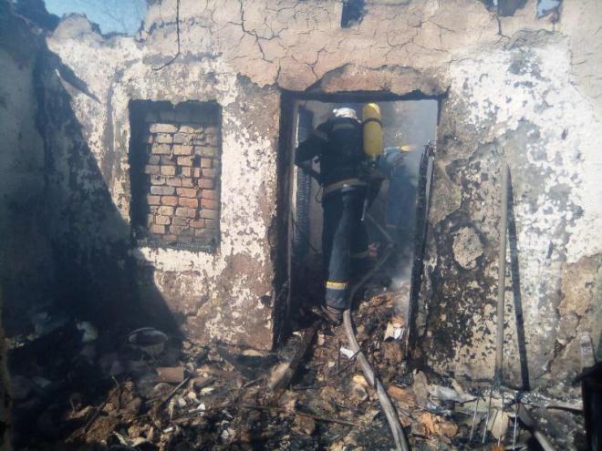 На Кіровоградщині в пожежі загинули троє малолітніх дітей - фото