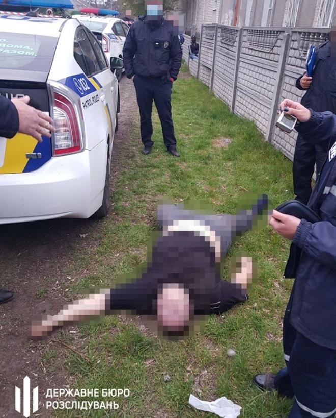 В Дніпрі в поліцейському авто помер затриманий - фото