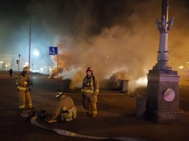 Вночі палав підземний колектор на Хрещатику - фото
