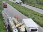 На Харківщині внаслідок ДТП на дорогу вилилася соляна кислота
