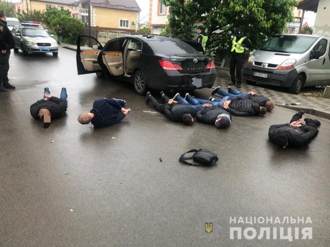 В Броварах відбувся масштабний конфлікт зі стріляниною між перевізниками - фото