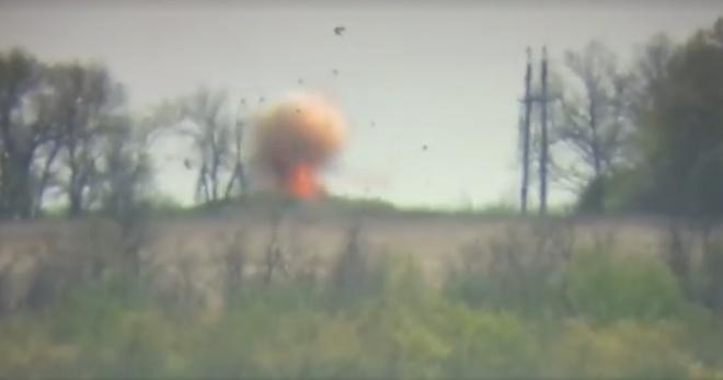 Захисники знищили транспорт окупантів – відео - фото