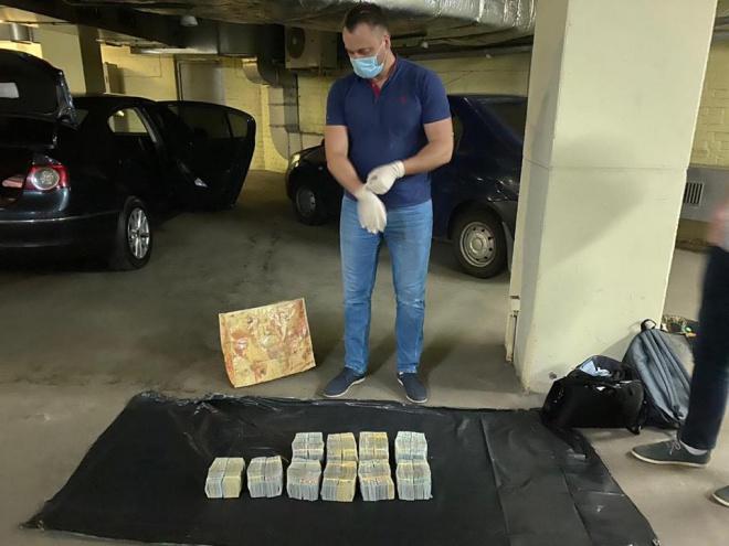 $6 млн хабаря намагалися дати керівникам НАБУ та САП представники «попередньої влади» - фото