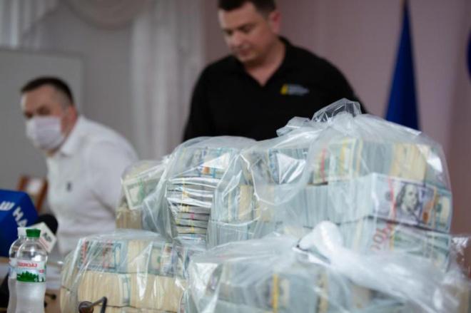 Керівник столичної Податкової мав отримати $1 млн за посередництво у передачі хабара - фото