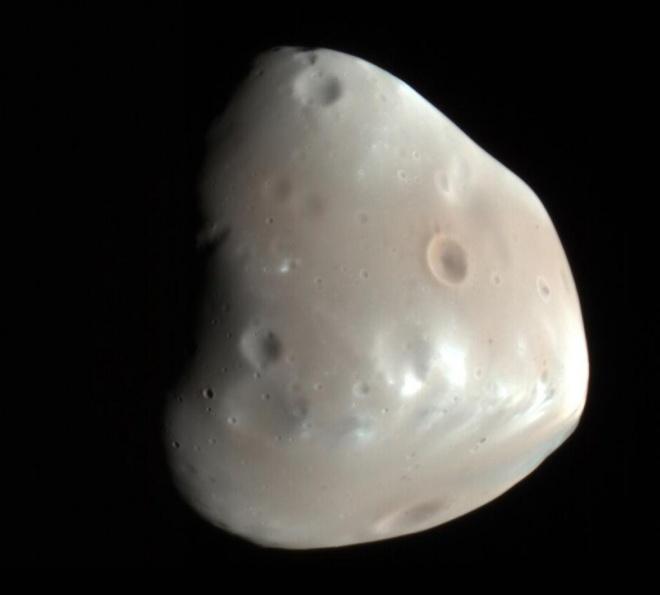 Орбіта марсіанського місяця натякає на наявність в далекому минулому кільця у планети - фото
