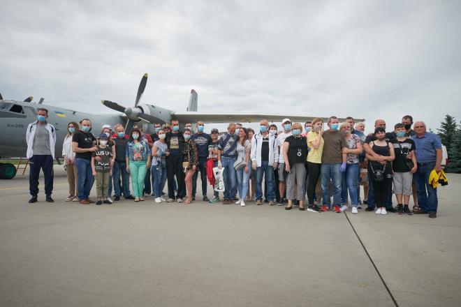 Після трирічного ув'язнення в Лівії, додому повернулися 14 українських моряків - фото