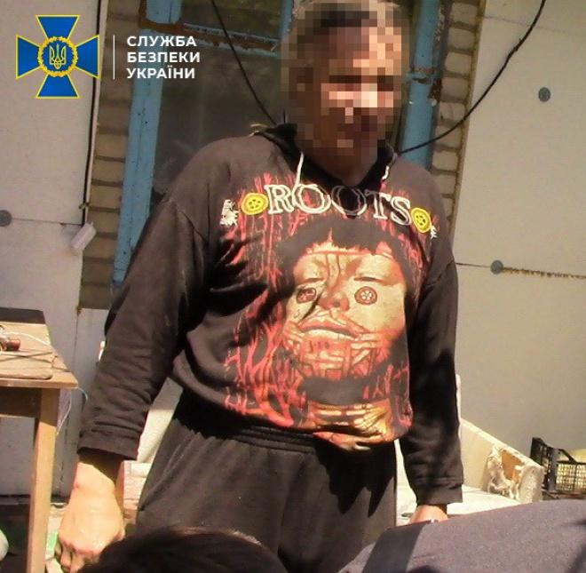 Заарештовано бойовика, який знімав на відео катування українських військових та цивільних - фото
