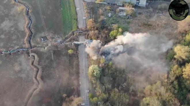 Захисники знищили мінометну позицію та житлове приміщення окупантів – відео - фото